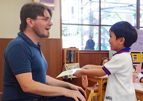 永照幼稚園の英語教育 外国人教諭